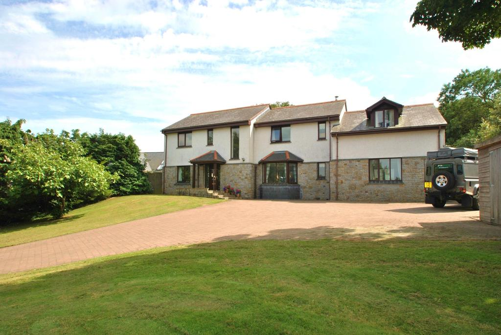 5 Bedrooms Detached House for sale in The Butts, St. Newlyn East