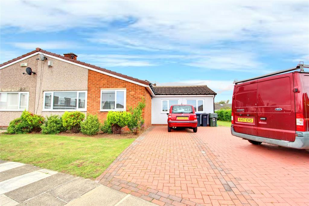 3 Bedrooms Semi Detached Bungalow for sale in Rievaulx Drive, Middlesbrough