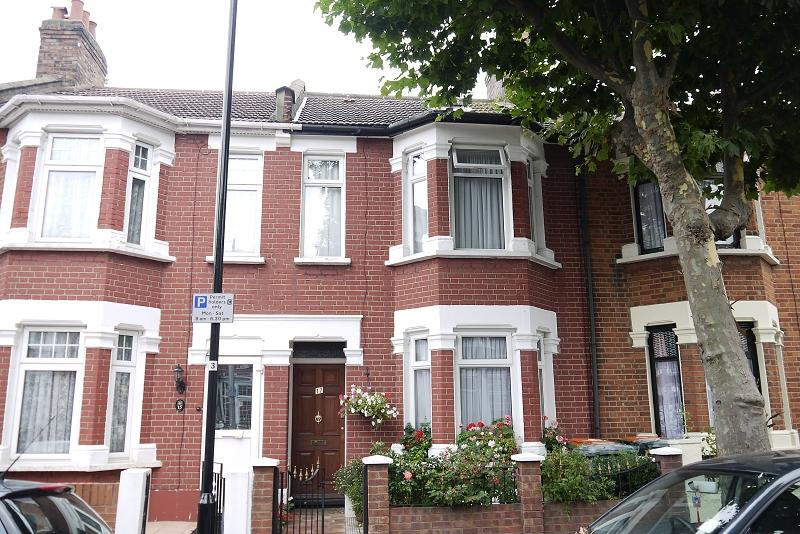 3 Bedrooms Terraced House for sale in Springfield Road, East Ham, London, Greater London. E6 2AH