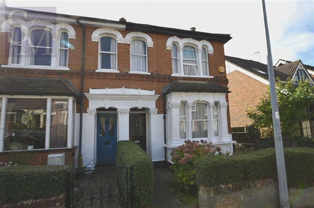 3 Bedrooms Semi Detached House for sale in Hills Road, Buckhurst Hill, Essex