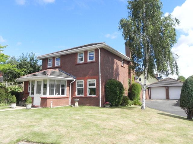 4 Bedrooms Detached House for sale in Greenacres,Walmley,Sutton Coldfield