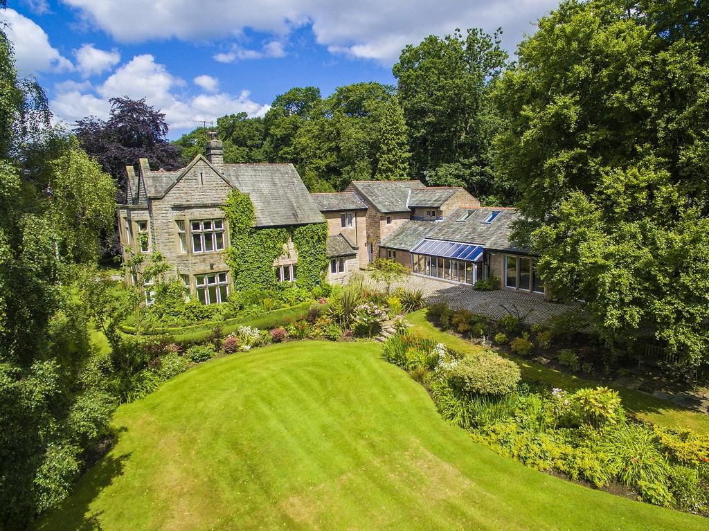 7 Bedrooms Manor House Character Property for sale in The Manor House, Froggatt Edge, Calver, Hope Valley, S32 3ZB.