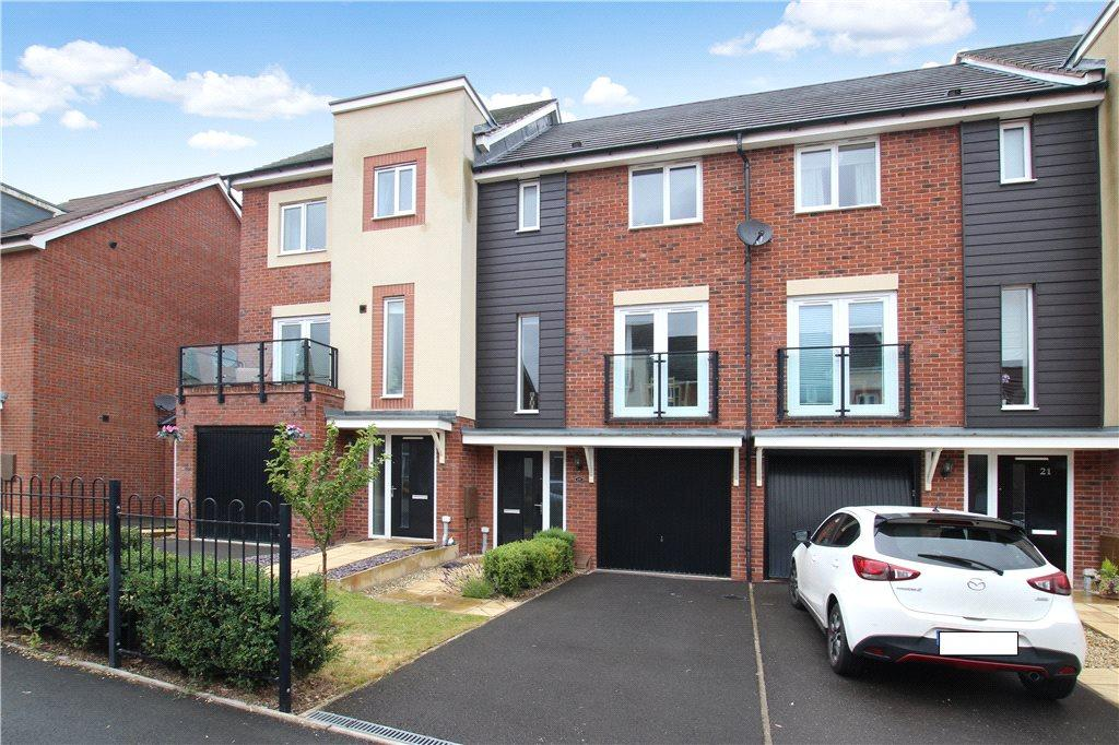 3 Bedrooms Terraced House for sale in Bracken Way, Malvern, Worcestershire, WR14