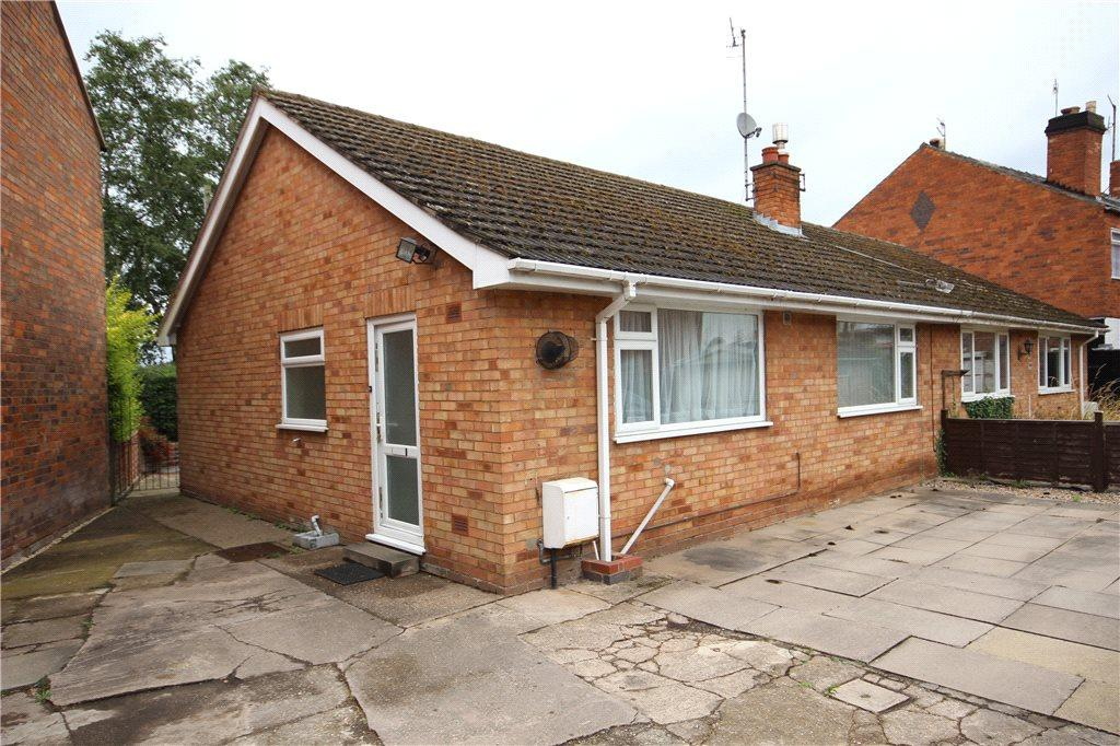 2 Bedrooms Semi Detached Bungalow for sale in Lansdowne Road, Worcester, Worcestershire, WR1