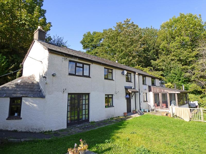 4 Bedrooms Detached House for sale in Dardy, Crickhowell, Powys.