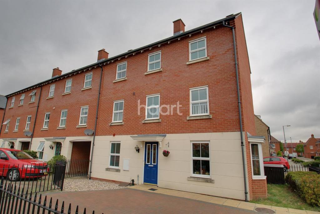 5 Bedrooms End Of Terrace House for sale in Circus Square, Colchester, CO2 7TG