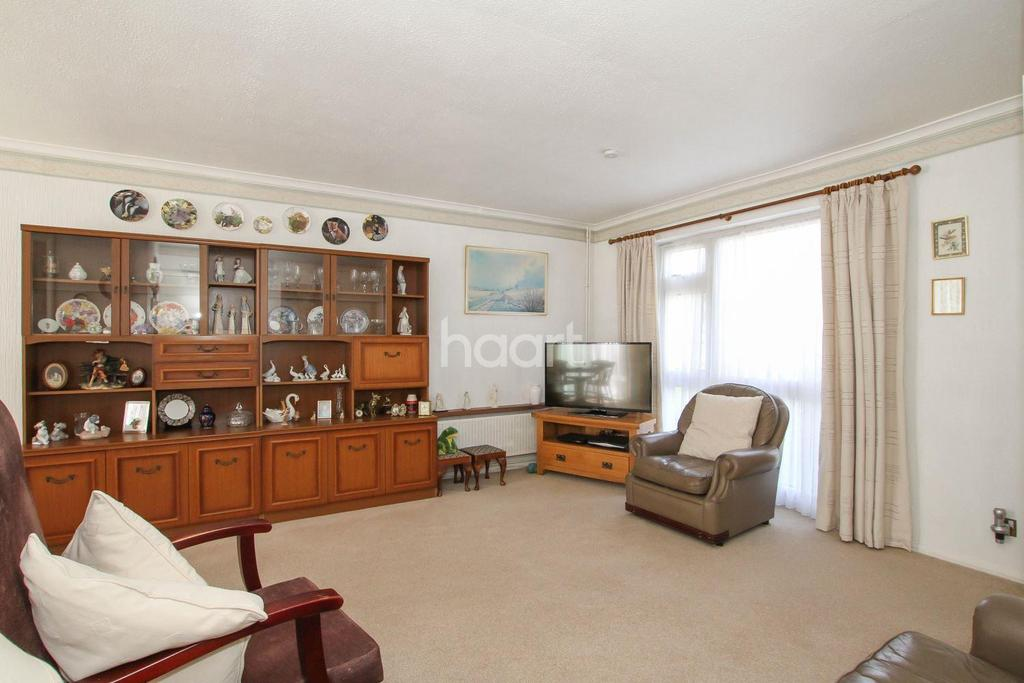 3 Bedrooms Terraced House for sale in Nursery Gardens