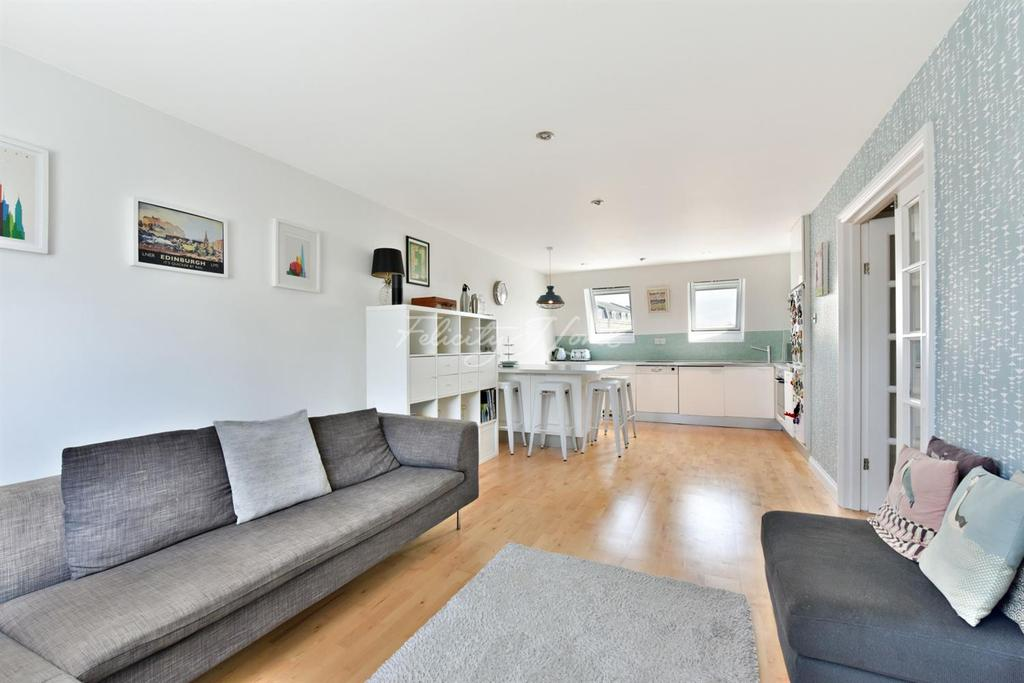 2 Bedrooms Flat for sale in Hayfield Passage, Stepney, E1