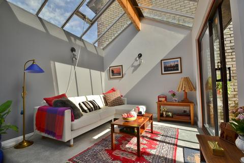 2 bedroom terraced house for sale - Westbourne