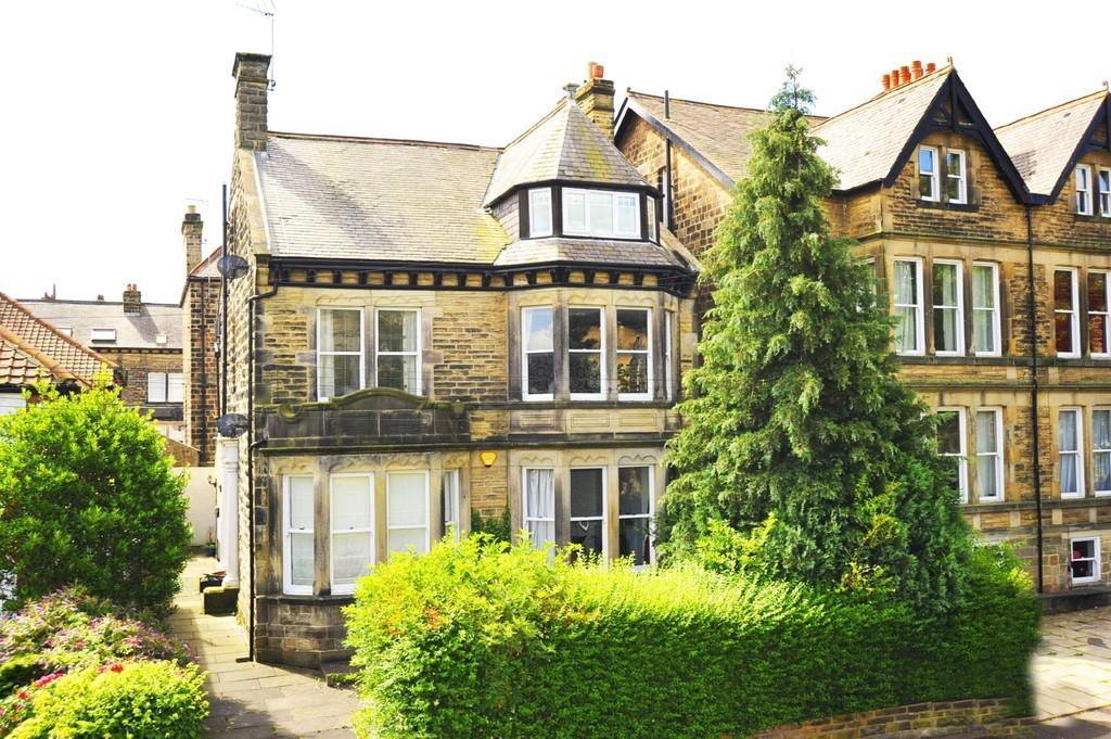 2 Bedrooms Apartment Flat for sale in West Cliffe Grove, Harrogate