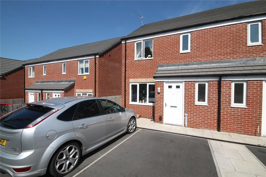 3 Bedrooms Semi Detached House for sale in Bluebell Bank, Barnsley, S70