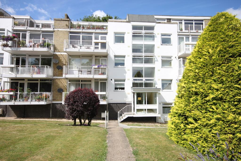 2 Bedrooms Apartment Flat for sale in SHADY BOWER CLOSE, SALISBURY, WILTSHIRE SP1 2RQ