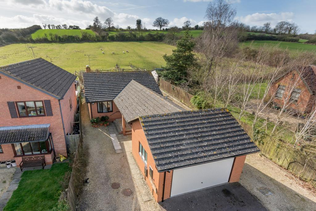 2 Bedrooms Detached Bungalow for sale in Bosley Close, Shipston-On-Stour