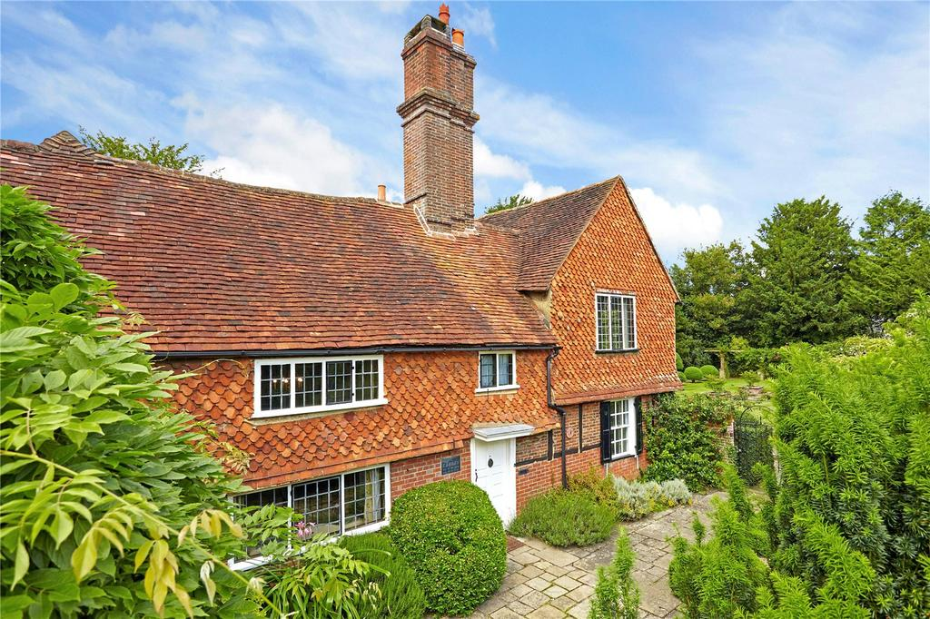 5 Bedrooms Detached House for sale in Church Lane, Cranleigh, Surrey