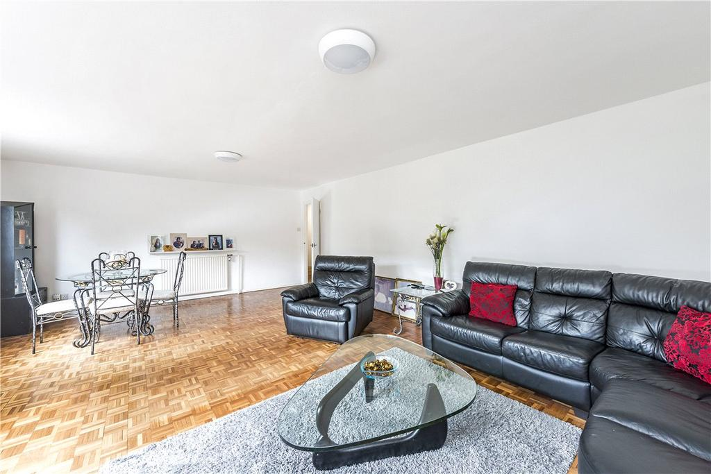 3 Bedrooms Apartment Flat for sale in Arundel Court, Arundel Terrace, London, SW13