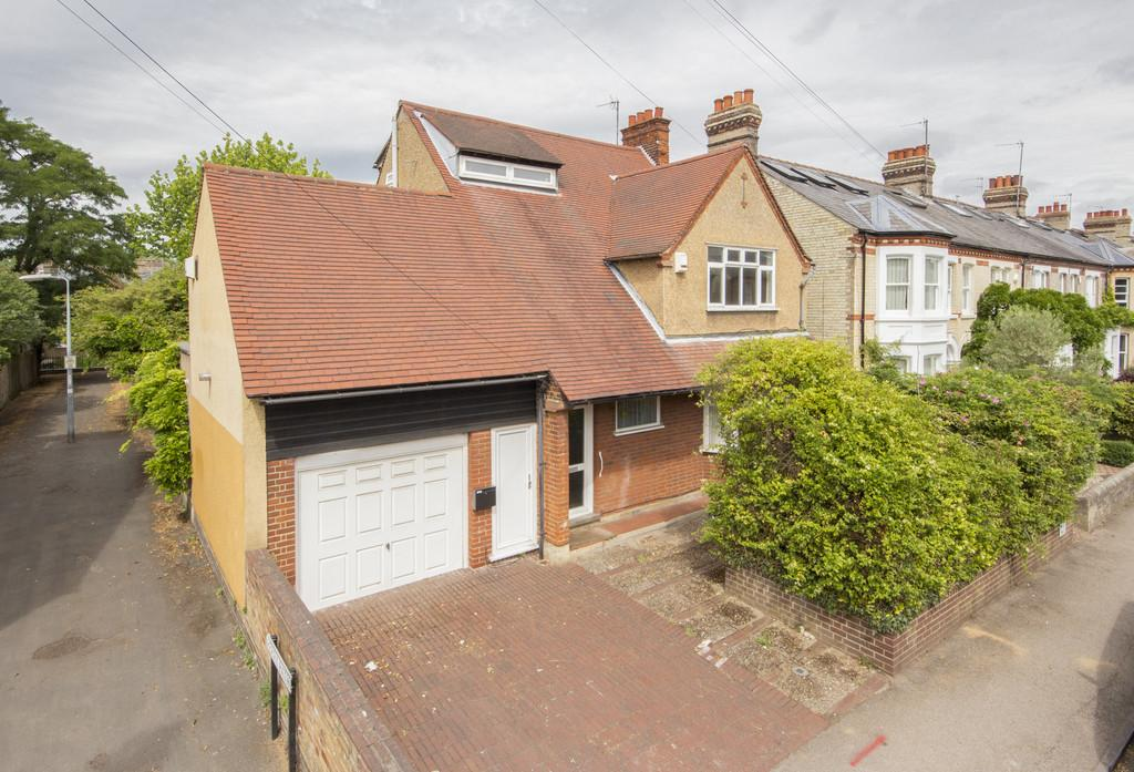 4 Bedrooms Detached House for sale in Pretoria Road, Cambridge