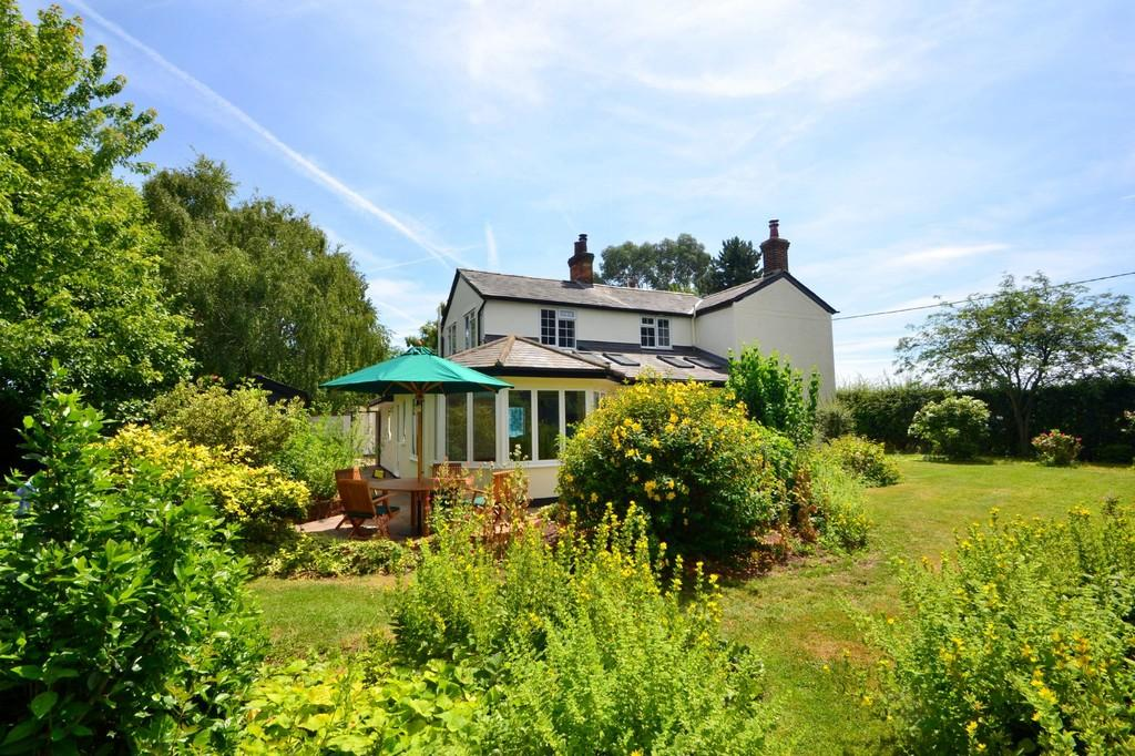 3 Bedrooms Cottage House for sale in Little Waltham, Chelmsford