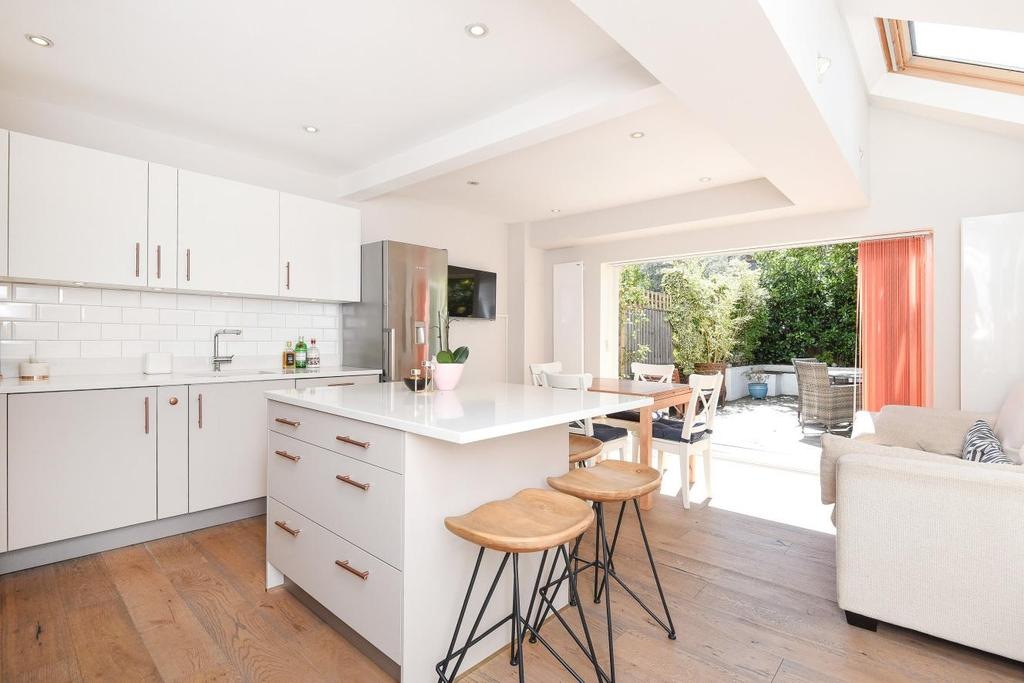 4 Bedrooms Terraced House for sale in Algarve Road, Earlsfield , SW18