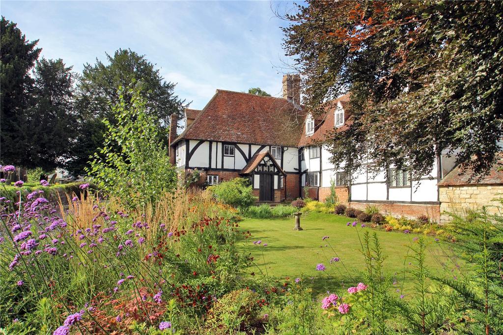 4 Bedrooms Semi Detached House for sale in The Moor, Hawkhurst, Kent, TN18