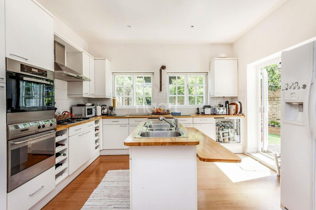 4 Bedrooms Detached House for sale in Erpingham Road, Putney