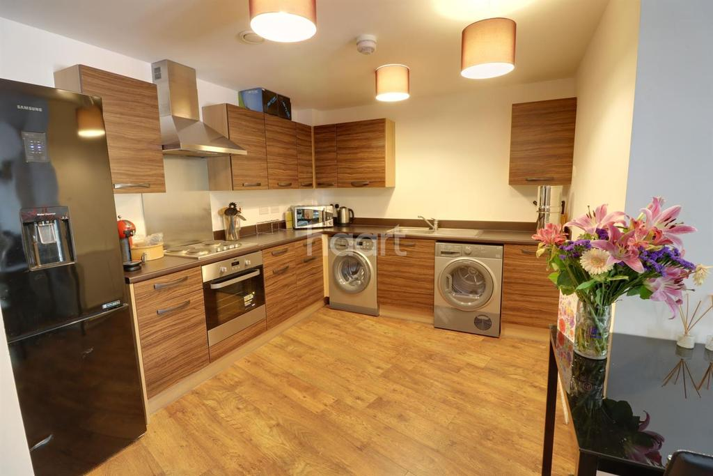 1 Bedroom Flat for sale in Brunel House