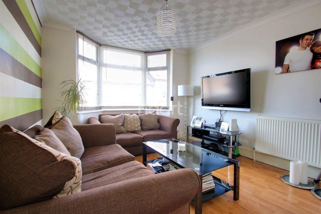 2 Bedrooms Terraced House for sale in Beaconsfield Road, Maidstone, Kent, ME15