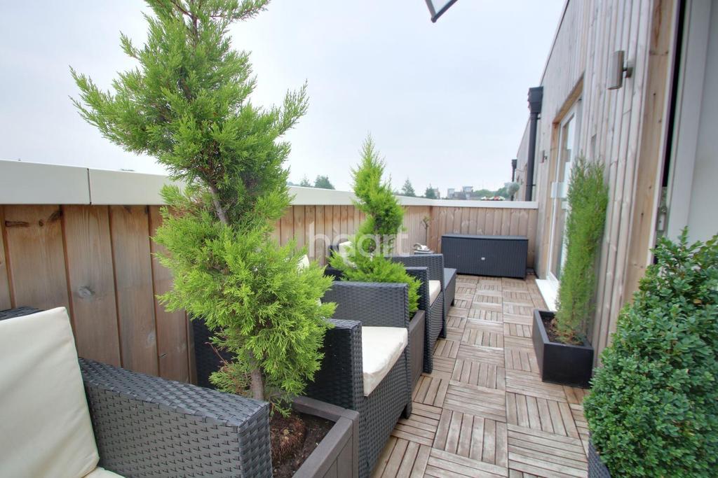 1 Bedroom Flat for sale in Start Living The Dream