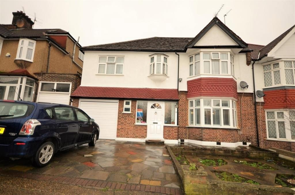 6 Bedrooms Terraced House for sale in Toley Avenue, Wembley
