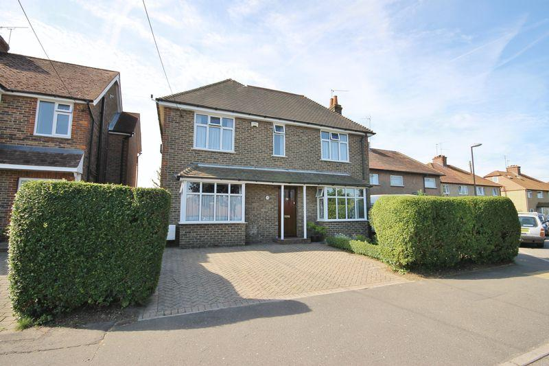 4 Bedrooms Detached House for sale in St Wilfrids Road, Burgess Hill, West Sussex