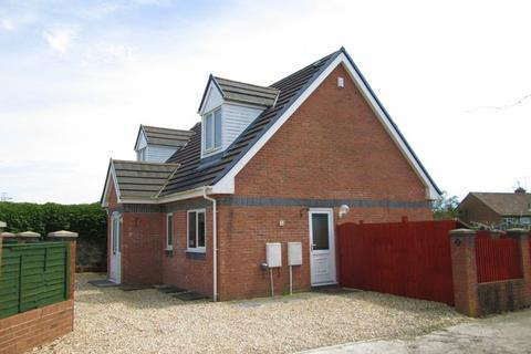 4 bedroom detached house to rent - Caeffatri Close Bridgend CF31 1LZ