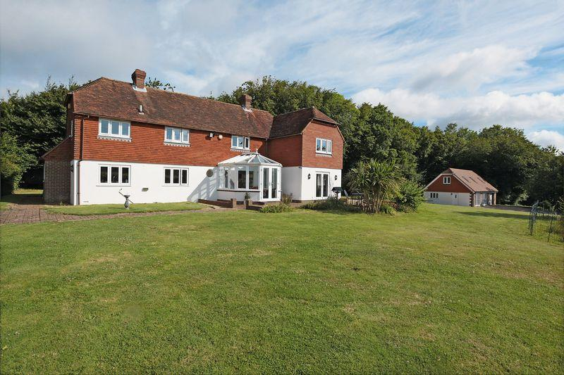 6 Bedrooms Detached House for sale in Rural Battle, East Sussex
