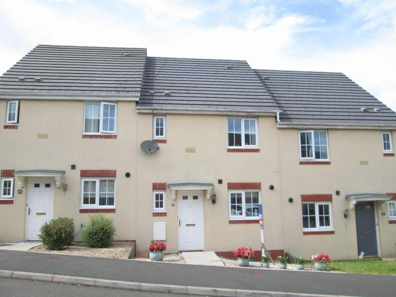 3 Bedrooms House for sale in Heol Y Fronfraith Fawr Broadlands Bridgend CF31 5FR