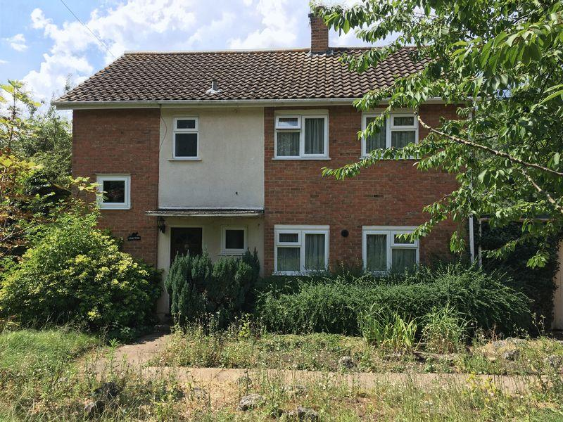 3 Bedrooms Detached House for sale in Tye Green Village, Harlow, Essex