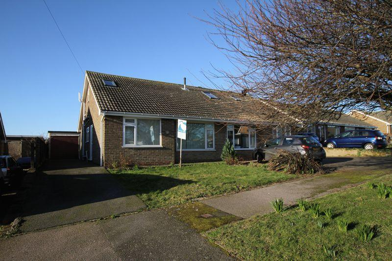 2 Bedrooms Semi Detached Bungalow for sale in St Margaret's At Cliffe