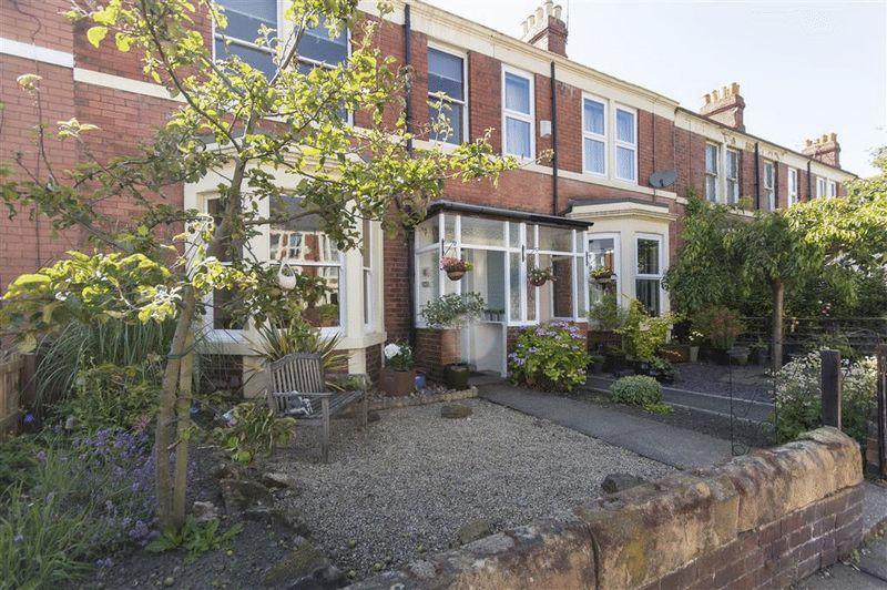 3 Bedrooms Terraced House for sale in Rothwell Road, Gosforth,