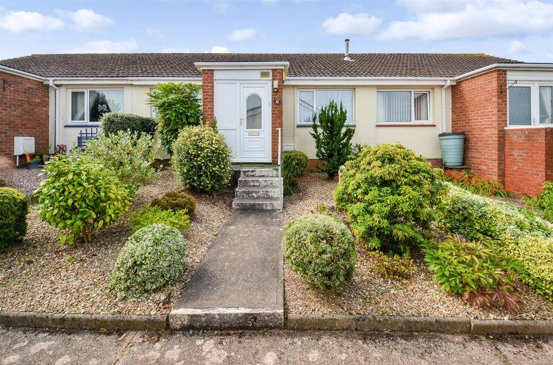 2 Bedrooms Terraced Bungalow for sale in Westleat Avenue, Paignton