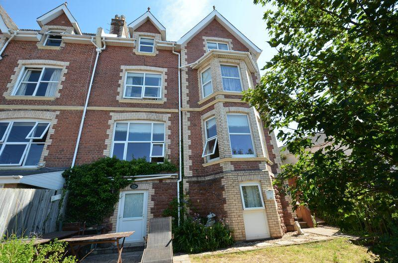 6 Bedrooms Semi Detached House for sale in Youngs Park Road, Paignton