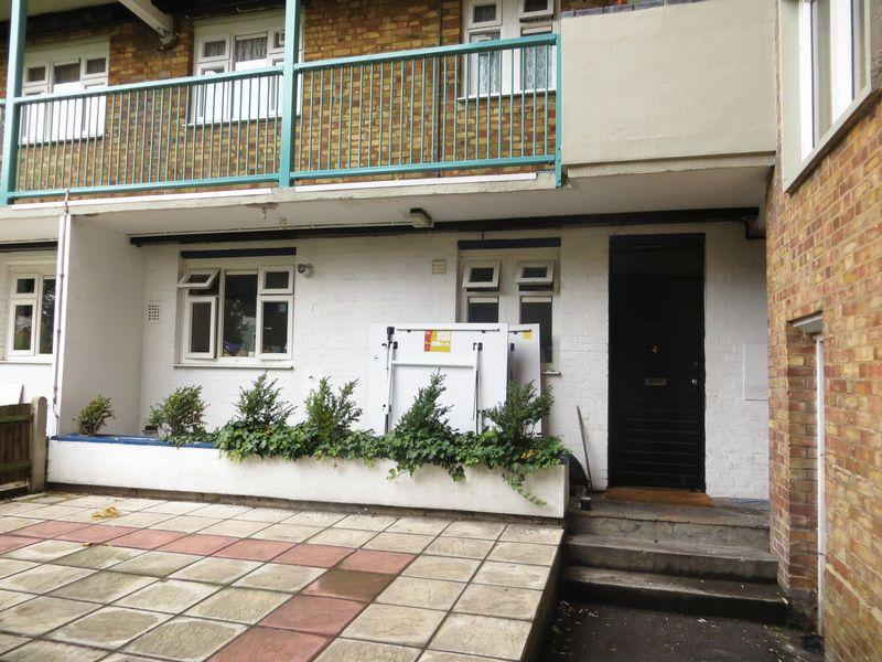 4 Bedrooms Flat for sale in Old Ford Road, London