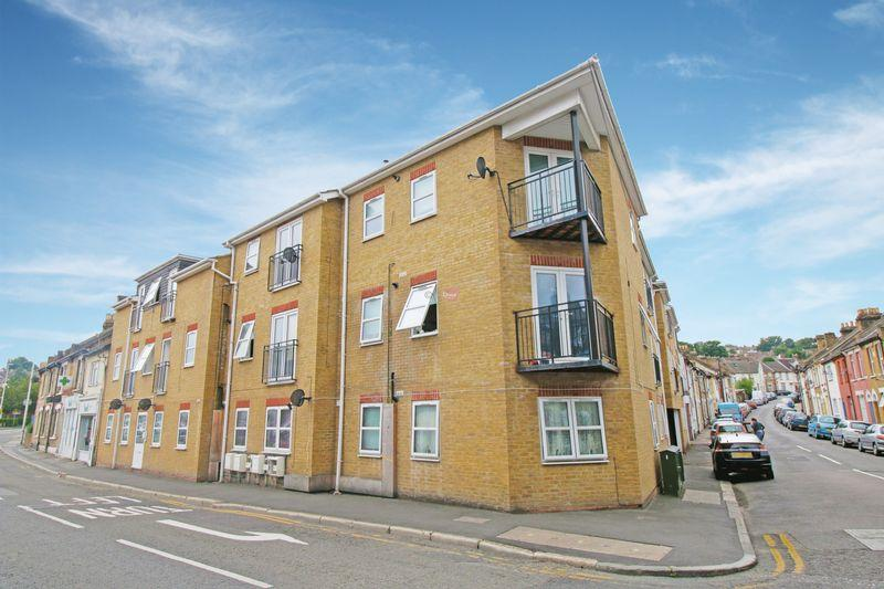 20 Bedrooms Block Of Apartments Flat for sale in Magpie Hall Road, Chatham