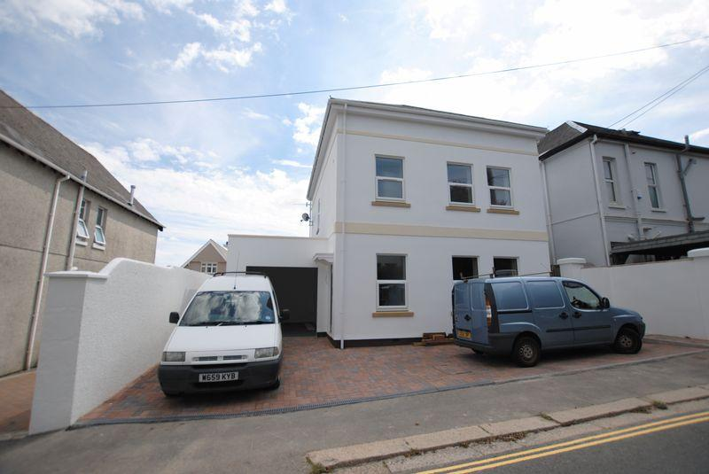 4 Bedrooms Detached House for sale in Essa Road, Saltash