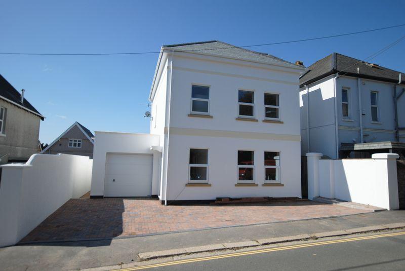 4 Bedrooms Detached House for sale in Essa Road, Saltash