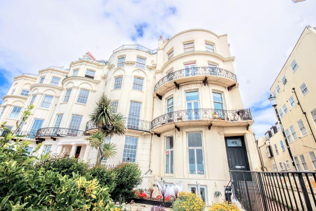 2 Bedrooms Flat for sale in Marine Parade, Brighton, Brighton, bn2