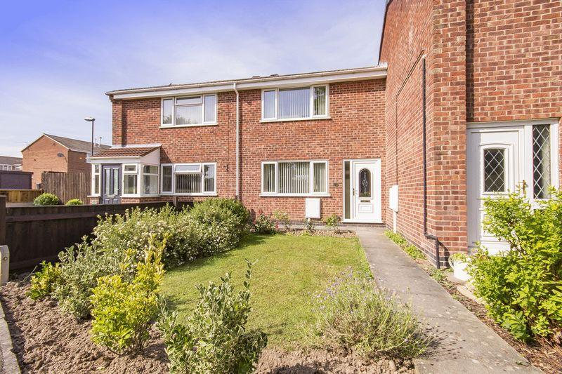 2 Bedrooms Terraced House for sale in PORTMAN CHASE, STENSON FIELDS