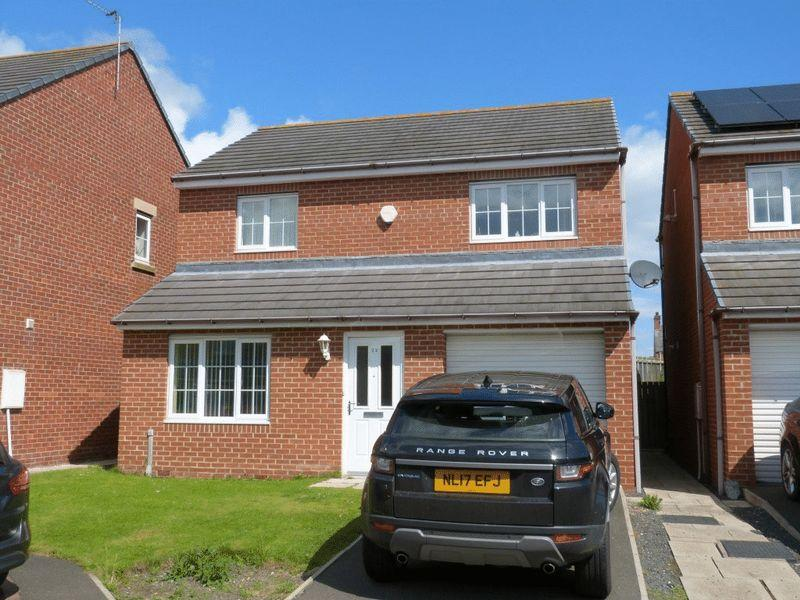 3 Bedrooms Detached House for sale in Orchard View, Linton - Three Bedroom Detached House