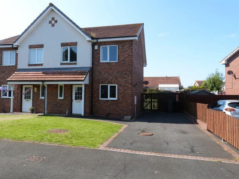 3 Bedrooms Semi Detached House for sale in Latimer Way, Newbiggin-By-The-Sea - Three Bedroom Semi Detached House