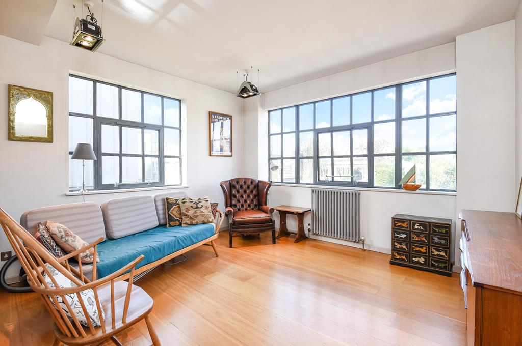 1 Bedroom Flat for sale in Whitacre Mews, Stannary St, SE11.