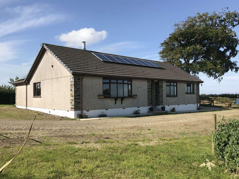 3 Bedrooms Bungalow for sale in North Tamerton, Holsworthy