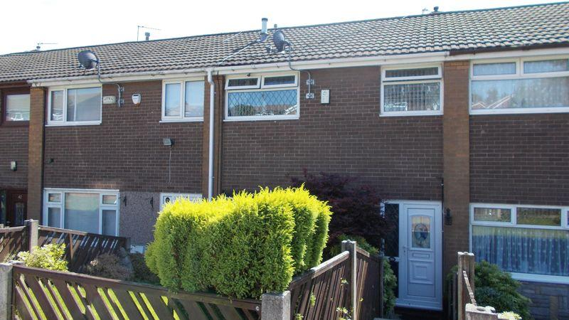 3 Bedrooms Town House for sale in Radcliffe Road, Oldham