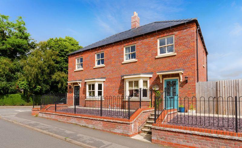 3 Bedrooms Semi Detached House for sale in Linden Road, Horncastle