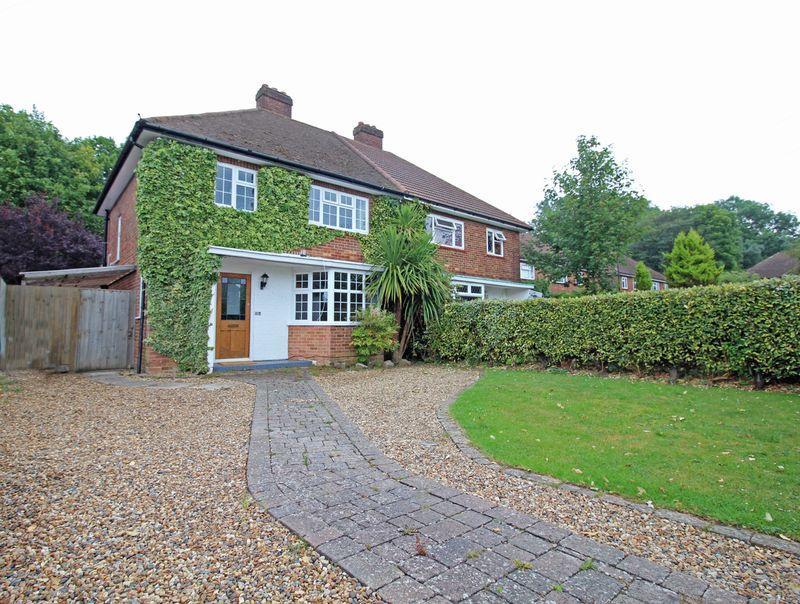 3 Bedrooms Semi Detached House for sale in Hazelwood Grove, Sanderstead, Surrey